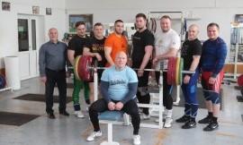 Į Europos čempionatą – 8 Lietuvos sunkiaatlečiai