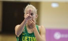 Australės įveikė Lietuvos studentes