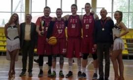 LSKL 3×3 krepšinio turnyro nugalėtojai VDU vaikinai ir LSU merginos