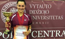 Lietuvos studentų stalo teniso čempionate nugalėtojų taurę į viršų kėlė VDU merginų ir LEU vaikinų komandos