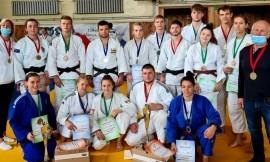 Lietuvos studentų dziudo čempionate LSU vaikinų ir merginų komandų triumfas